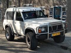 1992 Nissan Patrol GR Van (harry_nl) Tags: netherlands nederland 2019 denbosch shertogenbosch nissan patrolgr van vp28hn sidecode4 grijskenteken