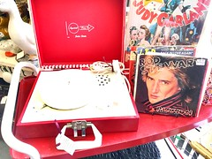 rod stewart. passion (timp37) Tags: record player illinois 2019 may rod stewart vinyl passion jackson square mall music la grange