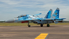 SU-27 Flanker. (spencer_wilmot) Tags: su27 flanker riat fighter fighterjet fairford sukhoi sukhoisu27 su27flanker digitalcamo blue aviation plane airplane aircraft taxiway pan ramp apron twin jet combataviation royalinternationalairtattoo 71 71blue b1831m1 pilot pilots