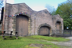 Whaley Bridge Wharf building  (Peak Forest Canal)   May 2019 (dave_attrill) Tags: wharfbuilding wharf whaleybridge peakforest canal towpath peakdistrict nationalpark derbyshire may 2019 cheshirering waterway