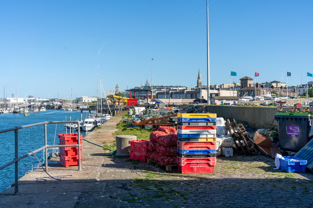 TRADERS' WHARF AREA [WEST PIER DUN LAOGHAIRE HARBOUR]-152233
