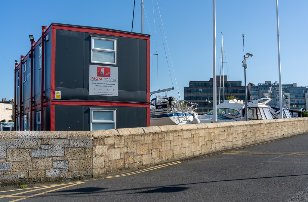 TRADERS' WHARF AREA [WEST PIER DUN LAOGHAIRE HARBOUR]-152249