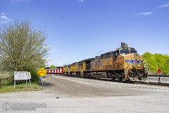 Candy Canes pt.1 (Josh 223) Tags: unionpacific diesellocomotive hoppercars hoppers railroadphotography railfanning trainspotting railroad train railway up5939 sd70m c44accte generalelectric ge herzog ballasttrain ballasthoppers candycane provoyard provosubdivision up4568 up