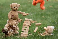TIGGER!!! (englishgolfer) Tags: teddy teddies jenga tigger setback nallebjörn nikon d7500 tamron 70200mm fotosondag fotosöndag fs190505 bakslag