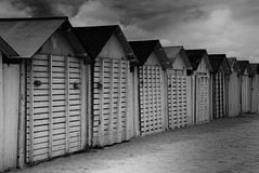 Waiting for summer (Domikawa4) Tags: eos 18300 beach plage cabine normandie cabin cabins cabines france sable monochrome canon 1200d sigma ouistreham blackandwhite black white noir blanc gris grey noirblanc blackwhite outdoor extérieur spring