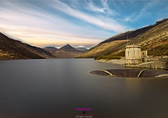 Mourne mountains and Silent valley (Photographs and Images of Northern Ireland) Tags: sunset sunrise northern ireland ulster county red hand orange views scenic waterfalls rivers golf courses fishing giants causeway tourists travel belfast derry londonderry brexit border antrim castle park walks tollymore forest