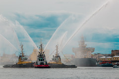 The Magic of the Nevsky Waltz - Волшебство невского вальса (Valery Parshin) Tags: russia saintpetersburg stpetersburg river neva valeryparshin water tugboat ship ships canoneos70d canonefs55250mmf456isstm