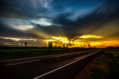 Sunset / Arnhem Highway (Markus Branse) Tags: sunset arnhemhighway northernterritory australia abend evening tropen abendrot rot rood red roughe night sun sonnenuntergang sol wolken wetter weather territory northern australien aussie oz australie austral cloud clouds cloudy himmel heaven sky idylle strase strasse rue road street straat landschaft landscape gelb yellow sonne wolke weg fahrbahn asphalt arnhem highway