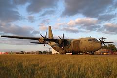 ZH888 (Ian.Older) Tags: zh888 c130j hercules abingdon royalairforce raf transport aircraft military sunset lockheed airshow aviation