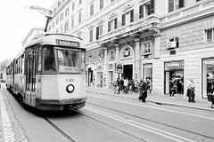 Vacances Romane (Paolo Pizzimenti) Tags: tram vacances rome barbare colosseum paolo olympus zuiko 12mm f2 film pellicule argentique doisneau