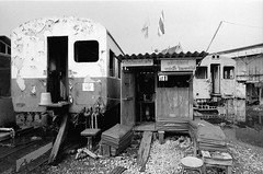 Station Ban Laem (Drehscheibe) Tags: railway station nikonf2 nikkor50mm blackwhite 35mm film hp5plus explore classicblackwhite analog bwfp