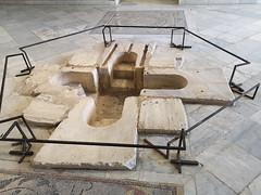 Pila bautismal siglo IV Museo Nacional del Bardo Tunez (Rafael Gomez - http://micamara.es) Tags: pila bautismal siglo iv museo nacional del bardo tunez