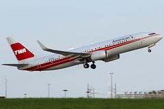 American's TWA retrojet leaving Cleveland (chrisjake1) Tags: kcle cle cleveland hopkins american retro retrojet twa n915nn boeing 737 737800 738 b738