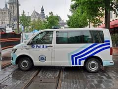 Politie Antwerpen (Martijn Groen) Tags: antwerpen belgium vlaanderen europe may 2019 police politie lawenforcement emergency volkswagen volkswagent6 transporter t6 vw policevehicle policevan van vehicle