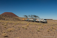_MG_0733.jpg (Reed Skyllingstad) Tags: 2002 2004 2005 antofagasta boxcar chile clydeengineeringgl26c2 color desert fcab fcab2002 fcab2004 fcab2005 ferrocarrildeantofagastaabolivia gl262c narrowgauge outdoors outside railroad railway sanpablovolcano sanpedrovolcano smoke sunny tracks train