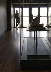 Contrejour au musée (jfgornet) Tags: 8129