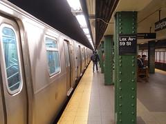 201905001 New York City subway station 'Lexington Avenue−59th Street' (taigatrommelchen) Tags: 20190518 usa ny newyork newyorkcity nyc manhattan midtown icon urban central perspective railway railroad mass transit subway station tunnel train mta r160a