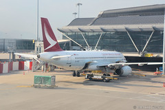 HKG - Cathay Dragon (B-HSK) (rivarix) Tags: hkg hongkonginternationalairport hkia hongkongsarchina dragonair 港龍航空 oneworld airline airways aircraft airplane jetplane jetengine fuselage tail wings verticalstabilizer narrowbody singleaisleaircraft airbusa320200 a320