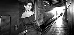 (horlo) Tags: kendalljenner bw blackandwhite vintage noiretblanc nb wallpaper fonddécran glamour monochrome woman femme portrait collage og250