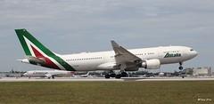 Airbus A330-200 (EI-EJM) Alitalia (Mountvic Holsteins) Tags: airbus a330200 eiejm alitalia mia miami international airport florida