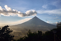 Mt. Mayon (KoolBeep) Tags: sony za variosonnar163528za zeiss variosonnart281635 nature volcano carlzeiss