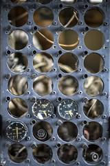 under pressure (primemundo) Tags: circle circles gauge gauges oilpressure pressure oilquantity rows dof
