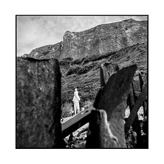 white giant • le havre, normandy • 2018 (lem's) Tags: white giant heant blanc cliff falaise beach plage sculpture contemporan art contemporain le haver normandy normandie minolta autocord