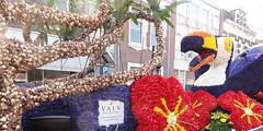 Natuurlijk thuis - Van der Valk hotels & restaurants (michael_s_pictures) Tags: toekan vandervalk praalwagen bloemencorso bollenstreek