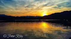 Sunrise reflection on Lake Windermere. (peterileypics) Tags: lightroom lisbon sunshine sun sunset sunrise lake lakedistrict reflection
