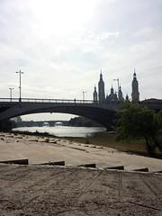 Te busco a través de los ojos de los puentes... #goedenacht #buenosdias #bonjour  #puentedehierro #river #puentedepiedra  #soul #letters #soledad #words  #fotografia#ebro #photography  #artphoto #photographie#city #photooftheday #sun #artphoto  #trees  #l (egc2607) Tags: photographie river city gutentag words soledad trees igerszgz ebro letters puentedepiedra buongiorno sun photooftheday goedemorgen bomdía lanscape artphoto bonjour soul photography zaragozapaseando instazaragoza goedenacht puentedehierro zaragoza puentes fotografia instazgz buenosdias