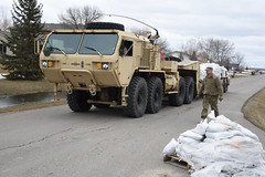 North Dakota National Guard (The National Guard) Tags: army casscounty fargo flood guardsman nationalguard ndarng northdakota northdakotanationalguard qrf westfargo north dakota nd ndng flooding floods sandbags sand bags heavy expanded mobility tactical truck hemtt emergency unitedstates ng national guard guardsmen soldier soldiers airmen airman us air force united states america usa military troops 2019