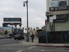 Space Invader LA_208 (tofz4u) Tags: losangeles californie california cali usa étatsunis unitedstatesofamerica la208 streetart artderue invader spaceinvader spaceinvaders mosaïque mosaic tile reservoirdogs