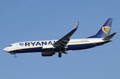 EI-DAN (LIAM J McMANUS - Manchester Airport Photostream) Tags: eidan ryanair fr ryr boeing b737 b738 738 b73h 73h boeing737 boeing737800 egcc manchester man