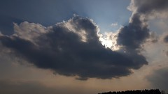Fallschirmspringe Wolke. Parachutist cloud. (st.klaus612) Tags: parachutistcloud fallschirmspringerwolke wolke cloud sonne sun sonnenstrahlen clouds wolken sunrays sunbeams oberpfalz upperpalatinate bayern bavaria