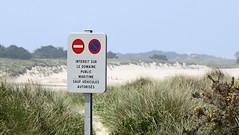 Interdit - Lampaul Ploudalmézeau (patrick_milan) Tags: interdit panel sign finistere bretagne lampaul ploudalmezeau saint pabu