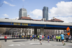Boston Marathon_20190415_023 (falconn67) Tags: bostonstrong kenmore kenmoresquare commonwealthave commave charity bostonmarathon marathon boston sports runners city patriotsday tradition canon 5dmarkiii 24105mml
