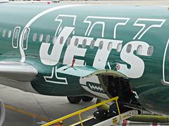 B6 N746JB A320-232 (kenjet) Tags: b6 jetblue jfk kennedy jfkairport ny nyc newyorkjfk newyorkcity airport gate plane jet airliner airline flugzeug green livery nyjets newyorkjets jets football n746jb 746 airbus aviation a320 a320232