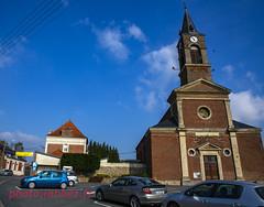 le Paris Roubaix à Neuvilly (louis.labbez) Tags: neuvilly nord france parisroubaix course race cyclisme cycliste chemin route cycle labbez village banderole accueil église mairie bienvenue sport church 59