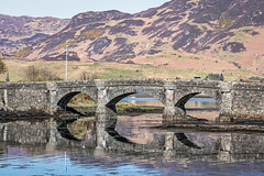 Loch reflection (PhredKH) Tags: 70200mm architecture canoneos7dmkii canonphotography castle ef70200mmf28lisiiusm eileendonancastle fredknoxhooke fredkh grass hills historicalbuildings loch photosbyphredkh phredkh scotland scottishcastle splendid travelphotography traveltoscotland bluesky reflection scenic scenicview scenicwater water