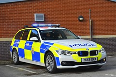 YK68 RMX (S11 AUN) Tags: derbyshire police bmw 330d xdrive 3series estate touring anpr traffic car roads policing unit rpu motor patrols 999 emergency vehicle yk68rmx