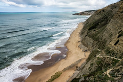 'Praia Aguda' (Canadapt) Tags: coast ocean sea waves beach sand cliff walkway sky clouds people aguda portugal canadapt