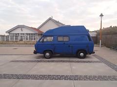 the blue one. (QQ Vespa) Tags: bulli vwbulli vwbus t3camper vwt3 camper wohnmobil campervan campingbulli vwcamper hochdachbulli vw volkswagen