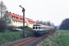 624 501 Bielefeld-Quelle (A. Lippincott) Tags: db bahn train zug railway eisenbahn deutsche bundesbahn nrw owl bielefeld quelle signal spannwerk vt dmu baureihe 624 24 uerdinger diesel