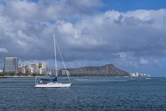 Heading Out (Fletch in HI) Tags: nikon d5600 tamron 16300 boats buildings people water ocean oahu honolulu hawaii waikiki diamondhead clouds
