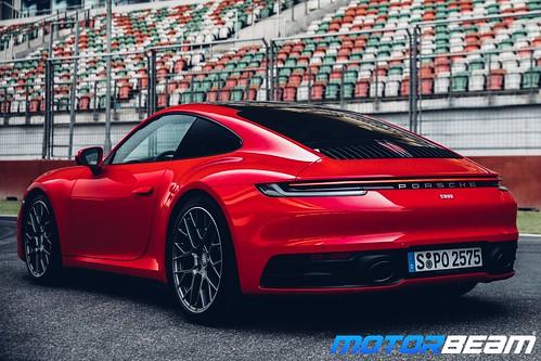 2019-Porsche-911-27