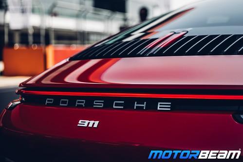 2019-Porsche-911-24