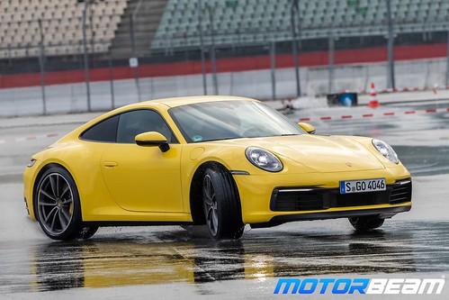 2019-Porsche-911-9