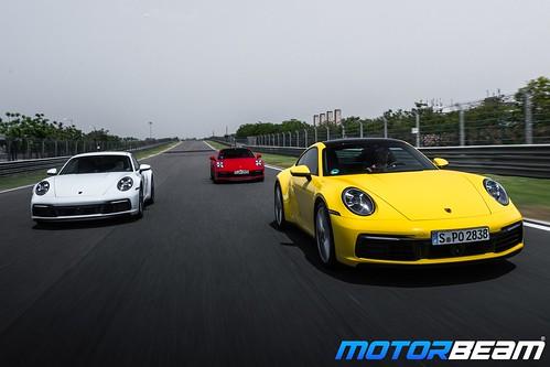2019-Porsche-911-15