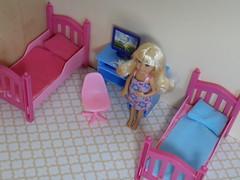 Emma (BackToTheChildhood80) Tags: barbie doll mattel chelsea little sister blond hair furniture set