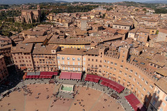 Piazza del Campo - Siena (T Ironman) Tags: piazzadelcampo piazza campo siena tuscany toscana italy square old oldtown beautiful fromthetop city town fountain pool water redcanopy canopy cityscape oldbuilding windows bellaitalia bella italia fromthetower
